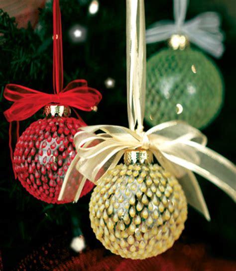 easy christmas ornaments teardrop christmas ornaments favecrafts com