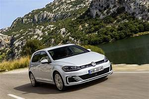 Volkswagen Golf Gte : 2017 volkswagen e golf and golf gte stand side by side to ~ Melissatoandfro.com Idées de Décoration