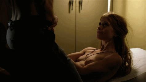 Nackte Genevieve Angelson In The Good Girls Revolt