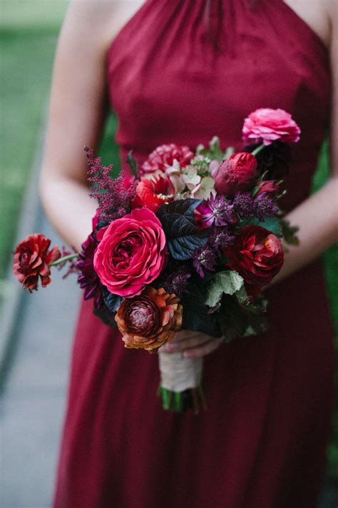 45 Deep Red Wedding Ideas For Fallwinter Weddings Deer