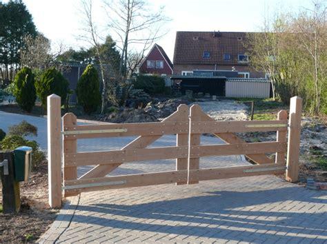 oprit poort hek lariks douglas hout inritpoort inclusief palen