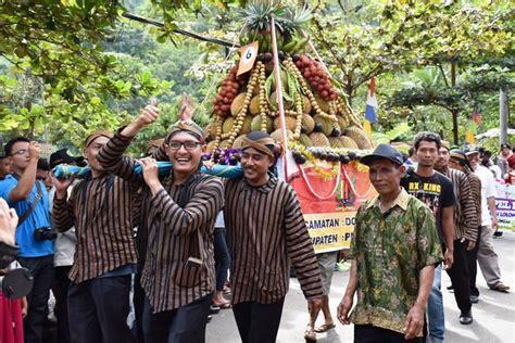 festival durian lolong  dihelat  februari mendatang