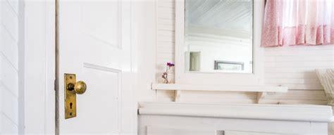 vieze badkamer weg met die vieze geurtjes in de badkamer