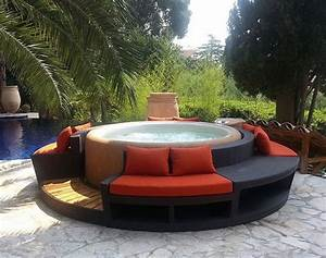 Softub  U2013 A Convenient Portable Spa For Your Outdoor Space