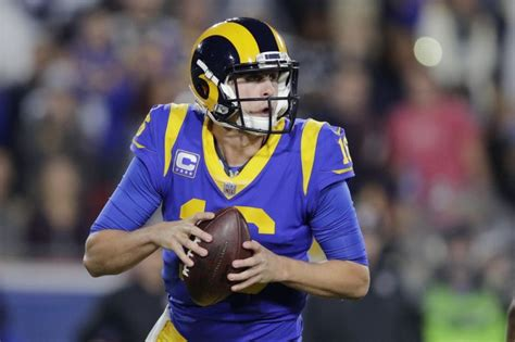 rams agree  qb jared goff   year contract extension