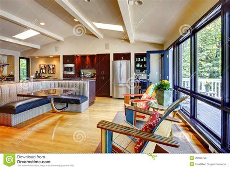 cuisine a la maison ouvrez le salon et la cuisine intérieurs à la maison de