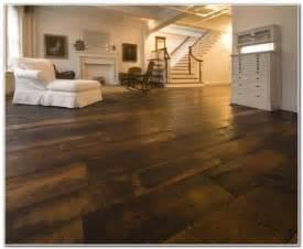wide plank distressed hardwood flooring flooring interior design ideas z8gdrqjxpr