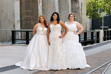 Luxe Bridal Couture Minneapolis Wedding Gowns