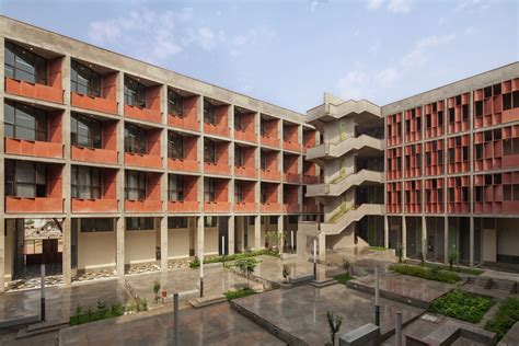 Ahmedabad University Admission 2021-22   UG & PG Courses ...