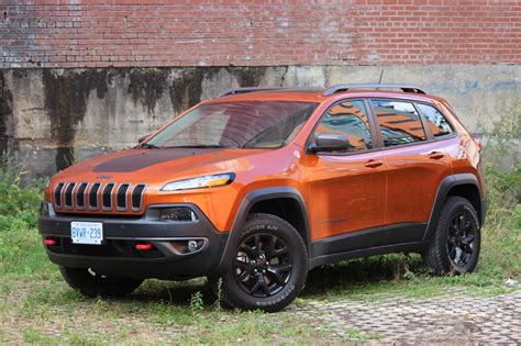 jeep cherokee orange review 2015 jeep cherokee trailhawk ecolodriver