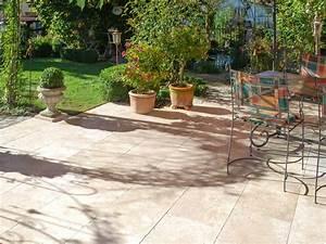 Der Naturstein Garten : f r entspannte sommerabende auf der terrasse der travertin medium select stonenaturelle ~ Markanthonyermac.com Haus und Dekorationen