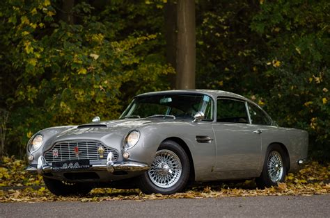Aston Martin Db5 Wallpaper 2000 by Aston Martin Db5 Photos