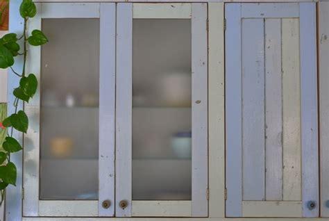 porte de cuisine portes de cuisine meuble cuisine cuisine poignee de porte de cuisine fonctionnalies scandinave style poignee de porte de