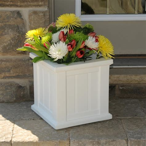 Big White Planters by Mayne Fairfield 20 In Square White Plastic Planter 5825w