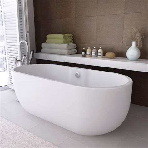 modern double ended curved freestanding bath   mm