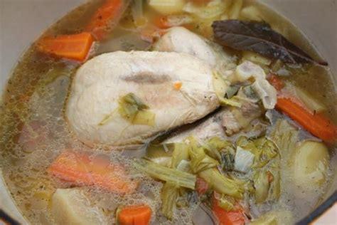 cuisiner la poule recettes de poule de pâques les recettes les mieux notées