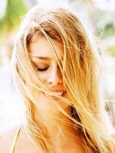 Haare Blondieren Natürlich : haare nat rlich aufhellen 7 schnelle einfache methoden frisuren pinterest haare ~ Frokenaadalensverden.com Haus und Dekorationen