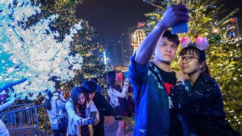 christmas traditions  china howstuffworks