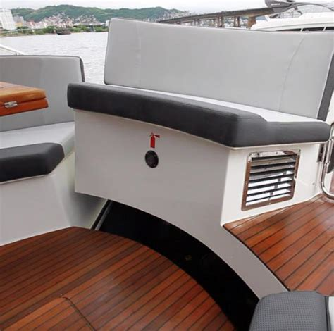 U Shaped Settee by Schaefer Yachts 400 2019 2019 Reviews Performance