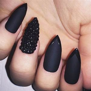 The 25+ best Matte black nails ideas on Pinterest | Matte ...