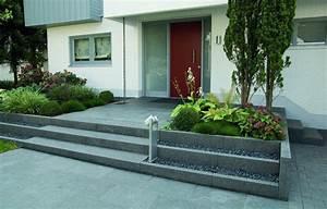 eingangsbereich mit platten und stufen aus granit pictures With französischer balkon mit garten und deko