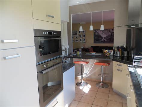 photo salon cuisine ouverte décoration cuisine ouverte sur salon déco sphair