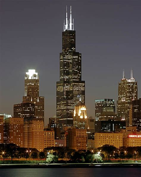 Imposing And Majestic Willis Tower In Chicago, Illinois