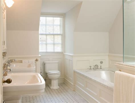 bathroom wainscoting         obsigen
