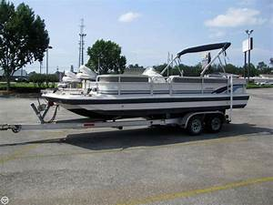 1998 Used Hurricane Fd 226r Deck Boat For Sale