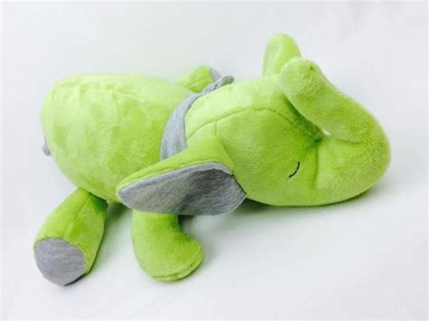 Kuschelelefant mit aroma ist aus echtem stoff, aus baumwolle genäht. Kuschelelefant Emilio ebook von MonstaBella auf DaWanda ...