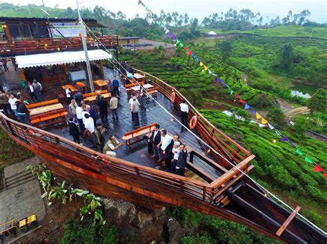 restoran  bandung  pemandangan  luar biasa