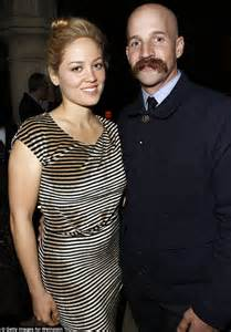 what does a knot ring parenthood 39 s erika christensen is 39 set to tie the knot