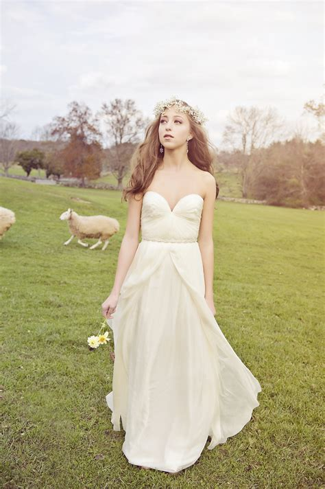 Wedding Dresses For A Farm Wedding  Rustic Wedding Chic. Jovani Pink Wedding Dresses. Romantic Garden Wedding Dresses. Unique Wedding Dresses Indian. Chiffon Wedding Dress Sleeves. Vintage Wedding Dresses In The Uk. Princess Wedding Dresses Strapless. Simple Red Wedding Dresses Uk. Wedding Dresses A Line Sweetheart