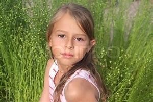 Schönes 10 Jähriges Mädchen : ein 10 j hriges m dchen blick auf die kamera stock foto colourbox ~ Yasmunasinghe.com Haus und Dekorationen