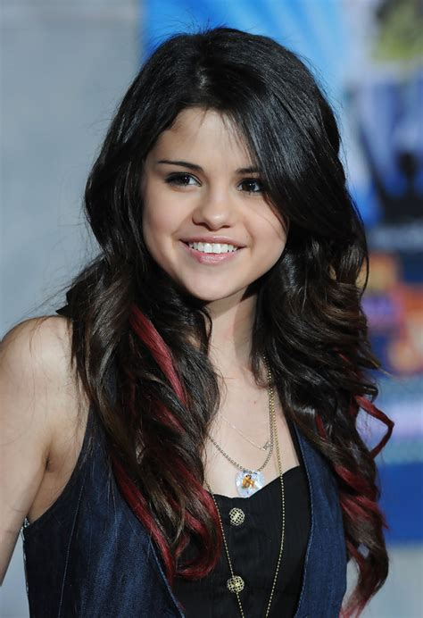 selena gomez long wavy cut selena gomez long hairstyles