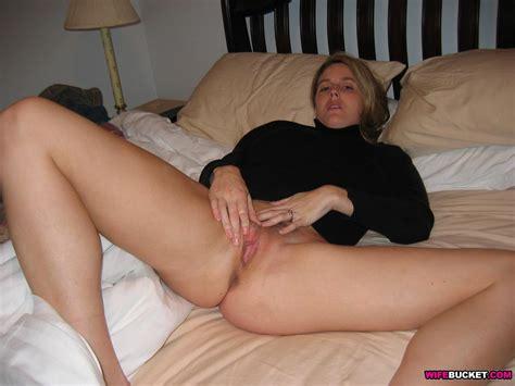 Wifebucket Real Milf Nude Pics