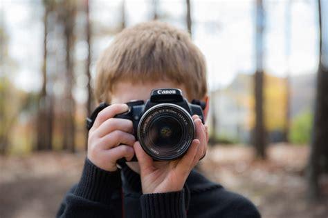 nature photographer     camera bag