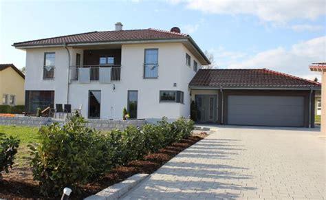 einfamilienhaus mit doppelgarage einfamilienhaus mit doppel garage