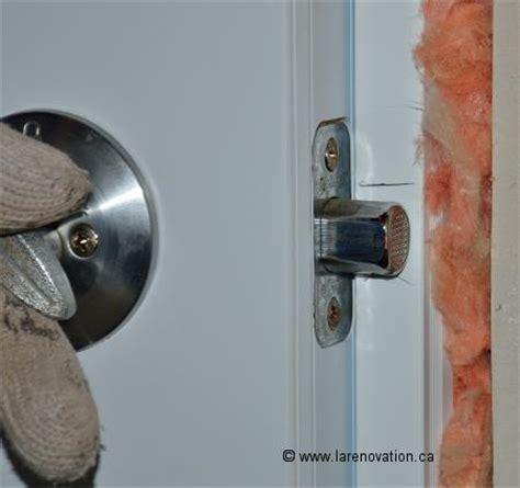 serrure porte chambre comment installer une serrure de porte d 39 entrée