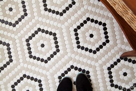 image black and white hexagon tile