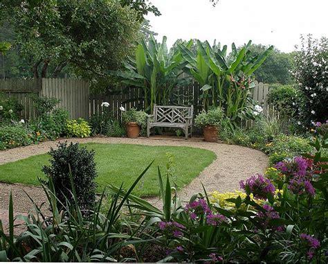 relaxing backyard spaces