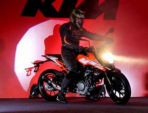 KTM Duke 250 Reviews, First Rides, Road Tests & Test Ride