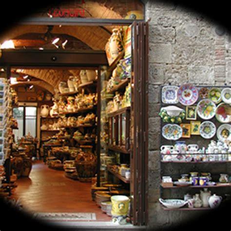 pottery shop in san gimignano tuscany italy pixdaus leoncini italian pottery shop in san gimignano italy