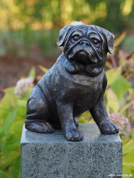 hund mops bulldogge aus bronzeguss