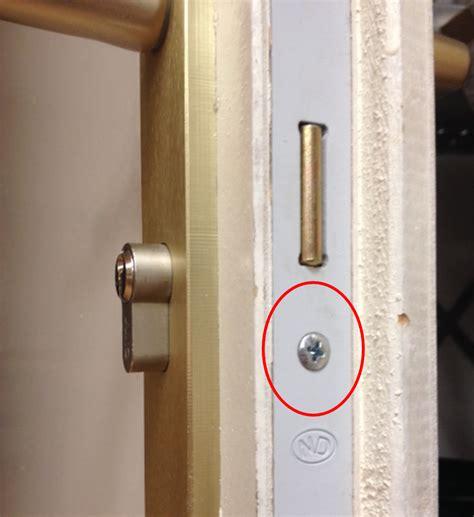 changer serrure porte chambre cylindre de serrure comment en changer protéger sa