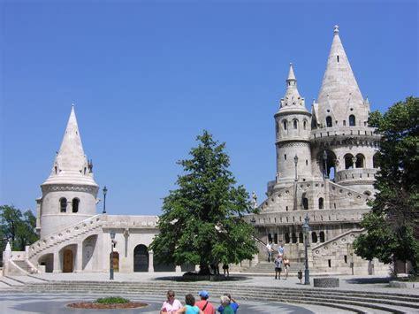 Przez prawie dwa tygodnie podróżowaliśmy przez chorwację, bośnię i hercegowinę, a naszym ostatnim punktem na mapie przed powrotem do domu był budapeszt. Budapeszt - Atrakcje turystyczne, zabytki Budapesztu ...