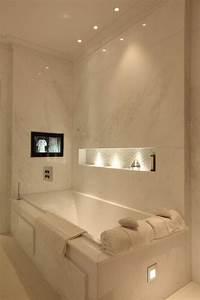 les 25 meilleures idees de la categorie salle de bain With carrelage adhesif salle de bain avec spot a led encastrable interieur