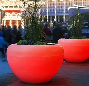 Pot De Fleur Rouge : id e jardin moderne d coration avec pot de fleur design ~ Melissatoandfro.com Idées de Décoration