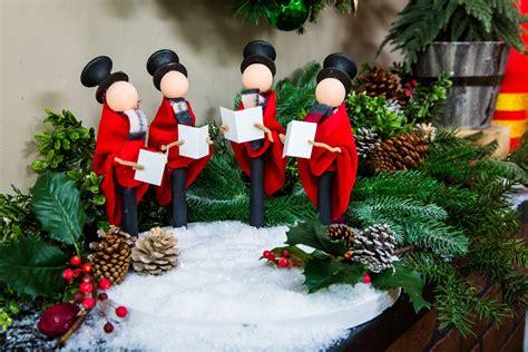 diy christmas carolers