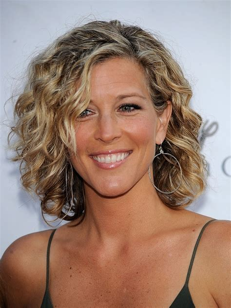 short curly hairstyles for older women Fashion Trends